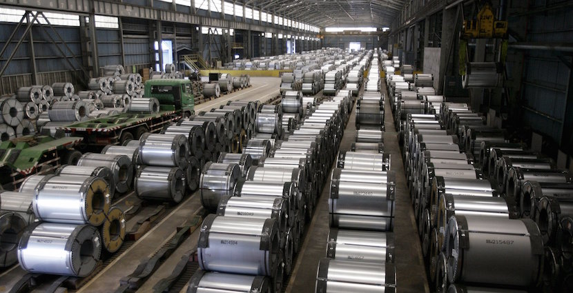 China's manufacturing output now lowest since 2009