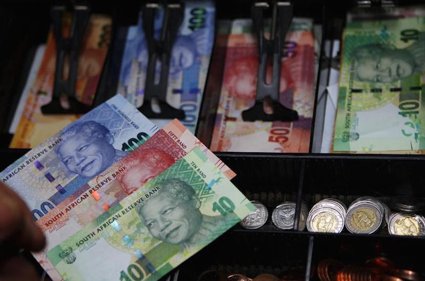 South Africa's banknotes, which features an image of former president Nelson Mandela on the front in Pretoria November 6, 2012. REUTERS/Siphiwe Sibeko