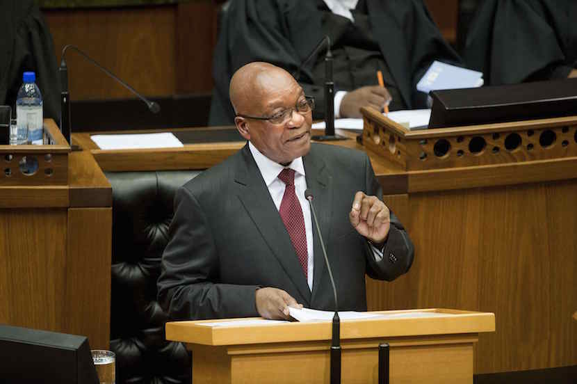 South Africa's President Jacob Zuma delivers his State of the Nation address at Parliament in Cape Town February 13, 2014. REUTERS/Roger Bosch/Pool (SOUTH AFRICA - Tags: POLITICS)