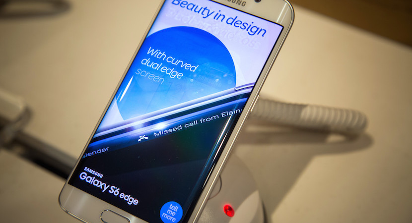 Technology's gloomy 2016: Samsung joins Apple – about survival, not a battle.