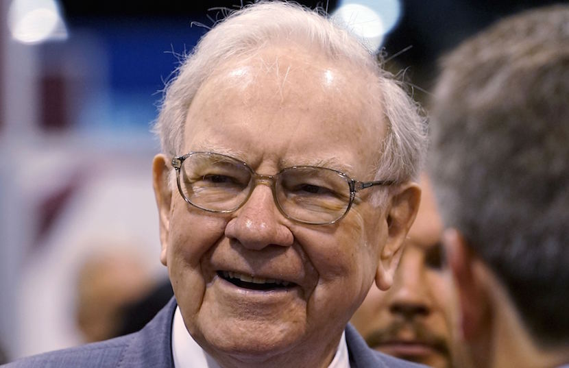 "Berkshire Hathaway CEO Warren Buffett talks to reporters prior to the Berkshire annual meeting in Omaha, Nebraska in this May 2, 2015 file photo. Buffett has signed on as an advisor on the eighth season of NBC's ""The Celebrity Apprentice,"" more than a decade after advising new host Arnold Schwarzenegger during his successful 2003 run to become California's governor. REUTERS/Rick Wilking/Files"