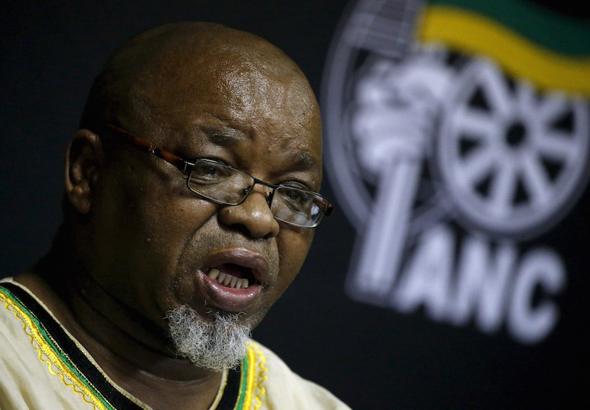 African National Congress (ANC) Secretary General Gwede Mantashe briefs the media at the end of the party's National Executive Committee (NEC) three-day meeting in Pretoria, South Africa March 20, 2016. REUTERS/Siphiwe Sibeko