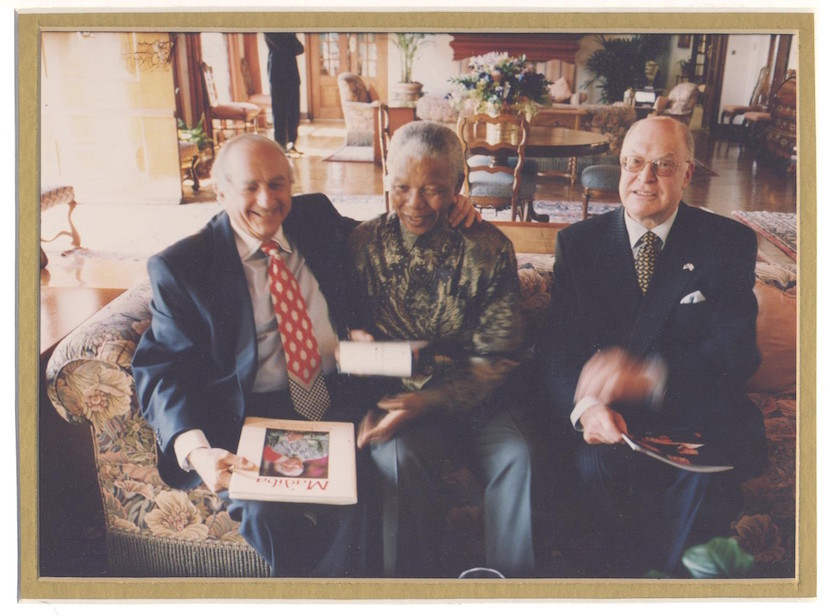 Bertie Lubner (L) with Nelson Mandela and Herby Rosenberg.