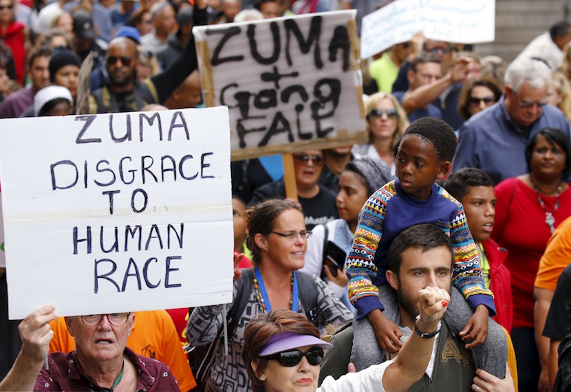 Protesters call for the removal of South Africa's President Jacob Zuma as the country commemorates the anniversary the country's first democratic elections in Cape Town, April 27, 2016. REUTERS/Mike Hutchings