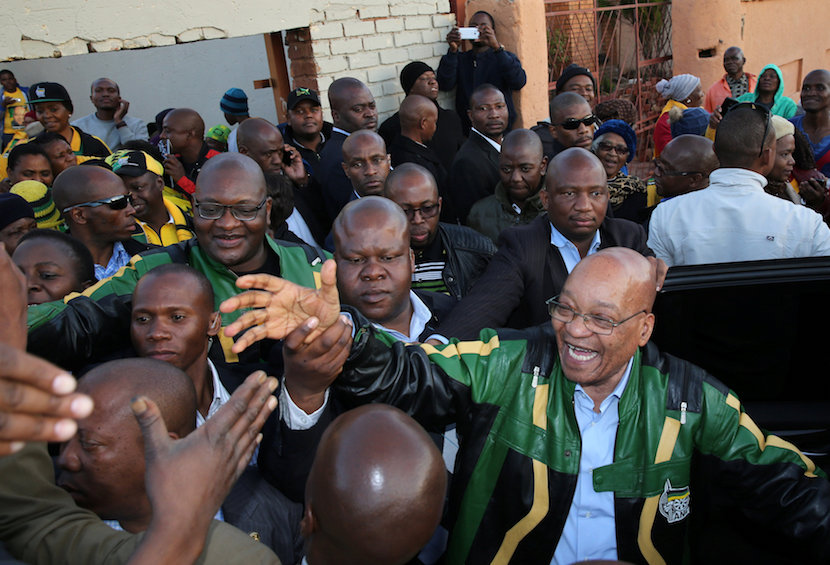 ANC president Jacob Zuma greets supporters during his election campaign in Atteridgeville a township located to the west of Pretoria, South Africa, 2016. REUTERS/Siphiwe Sibeko
