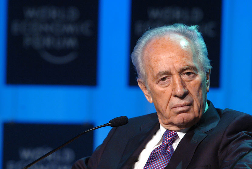 Shimon Peres, vice-Prime Minister of Israel participates in a discussion during the World Economic Forum in Davos, Switzerland on January 28, 2005. Photographer: Daniel Acker/ Bloomberg News.