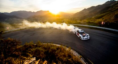 Video: 'Mad' Mike lays down some rubber on the Franschhoek Pass