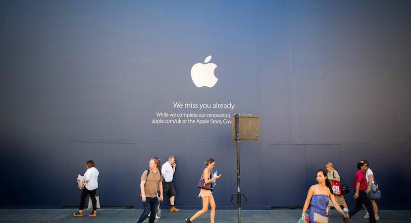 Buffett loves Apple Inc – nowhere to 2nd in Berkshire's $122bn portfolio.