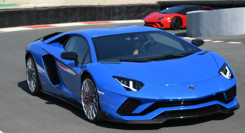 Lamborghini Aventador S: the screaming bull