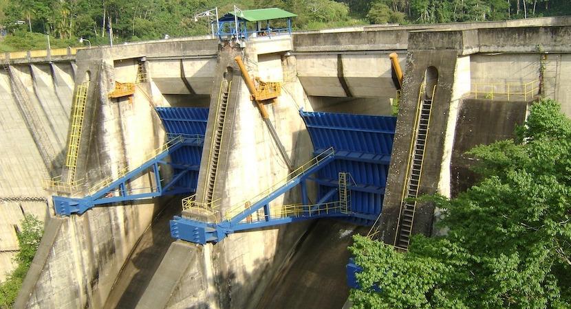 Costa Rics hydroelectric dam