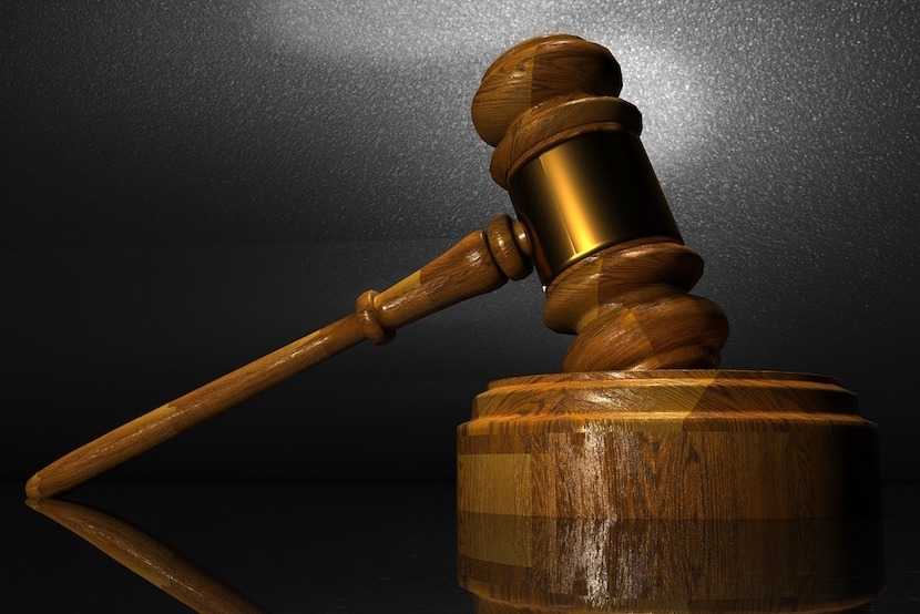 Seven officials have been arrested over an asbestos deal in the Free State.