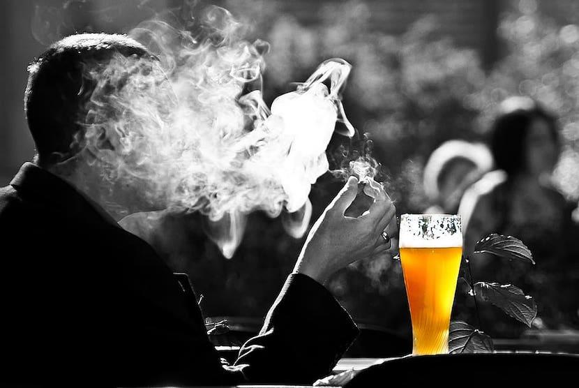 alcohol cigarette