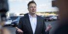 Elon Musk sends wrong Signal, investors fly in